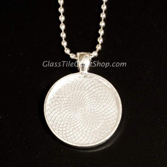Round Pendant Tray Blank with Necklace